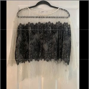Bailey 44 lace 3/4 sleeve top